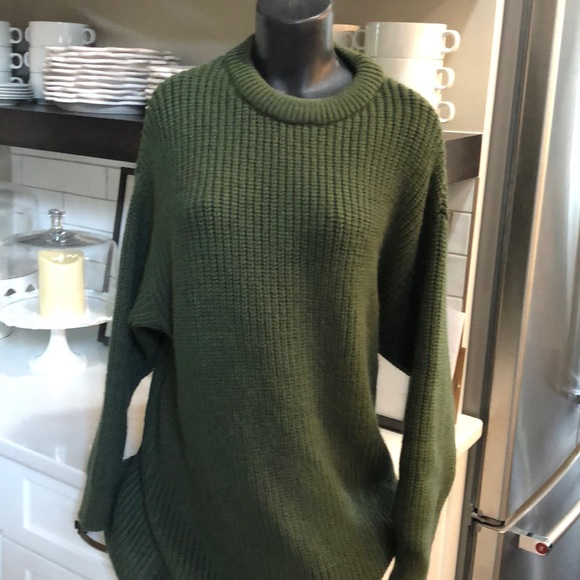 Zara Dresses & Skirts - NWT ZARA DRESS. LARGE   Beautiful green.